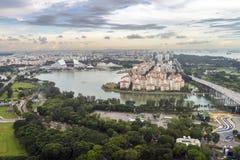 Vista aerea delle facilità intorno al bacino di Kallang e delle proprietà residenziali ad area di Tanjong Rhu Immagini Stock Libere da Diritti