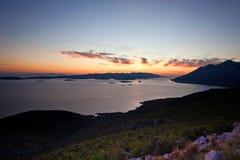 Vista aerea delle isole dalmate al tramonto fotografie stock