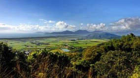 Vista aerea delle montagne e dello sbarco piano Fotografie Stock Libere da Diritti