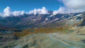 Vista aerea delle montagne vicino al Cervino stock footage