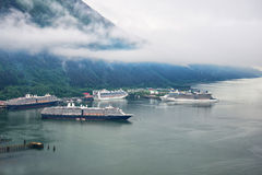 Vista aerea delle navi da crociera a porta a Juneau, Alaska Fotografia Stock Libera da Diritti