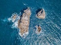 Vista aerea delle rocce nel mare Immagine Stock Libera da Diritti