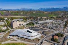 Vista aerea dello studente Services Building della città universitaria di Cal Poly Pomona fotografia stock libera da diritti
