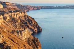 Vista aerea di alta scogliera rocciosa al tramonto Fotografia Stock Libera da Diritti