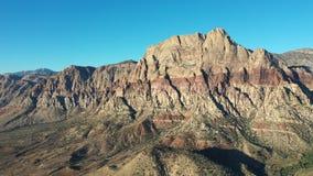 Vista aerea di area rossa di conservazione del canyon della roccia, NV archivi video