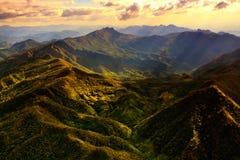 Vista aerea di bella catena montuosa Fotografia Stock
