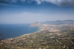 Vista aerea di bella valle verde Fotografia Stock