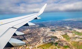 Vista aerea di Casablanca da un aeroplano di atterraggio fotografia stock