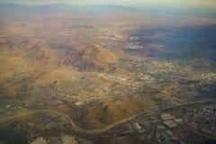 Vista aerea di Colton, vista dal sedile di finestra in un aeroplano Fotografie Stock Libere da Diritti