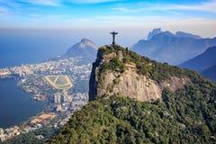 Vista aerea di Cristo la città di Rio de Janeiro e del redentore Fotografie Stock Libere da Diritti