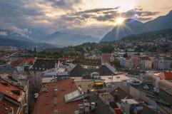 Vista aerea di Innsbruck dalla torre del municipio al tramonto Fotografia Stock