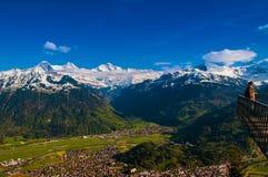 Vista aerea di Interlaken e di Jungfraujoch, Monch, Eiger dall'ha Immagini Stock
