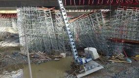 Vista aerea di ispezione di danni delle alluvioni sulla costruzione di ponte non finita della strada principale E-763 serbia stock footage