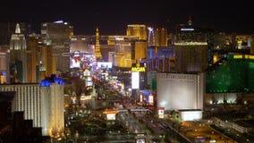 Vista aerea di lasso di tempo della striscia di Las Vegas alla notte stock footage