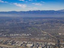 Vista aerea di Los Angeles orientale, Bandini, vista dal sedile di finestra fotografie stock