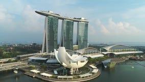 Vista aerea di Marina Bay Sands Singapore colpo Vista aerea dell'orizzonte della città di Singapore con Marina Bay Sands archivi video