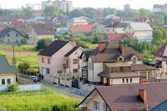Vista aerea di nuove case residenziali moderne Buildi comodo Fotografia Stock Libera da Diritti