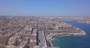 Vista aerea di panorama della capitale antica di La Valletta, Malta stock footage