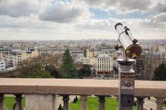 Vista aerea di Parigi con il telescopio nella priorità alta Fotografie Stock