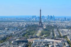 Vista aerea di Parigi con la torre Eiffel fotografie stock