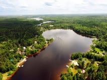 Vista aerea di piccolo lago canadese Immagini Stock Libere da Diritti