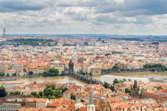 Vista aerea di Praga Città Vecchia e di Charles Bridge Immagine Stock