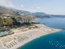 Vista aerea di Praia una spiaggia della giumenta, provincia di Cosenza, Calabria, Italia 06/26/2017 Fotografia Stock
