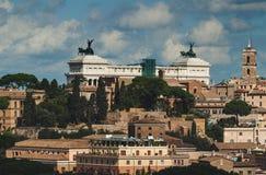 Vista aerea di Roma e del monumento Vittorio Emanuele II (patria dell'altare) Fotografia Stock Libera da Diritti
