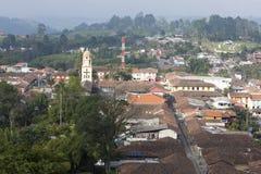 Vista aerea di Salento all'interno della zona del caffè in Colombia fotografie stock libere da diritti