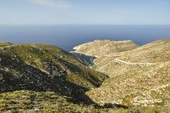 Vista aerea di vista sul mare e delle montagne immagini stock libere da diritti