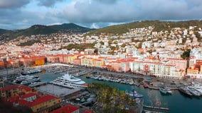 Vista aerea di Timelapse su porta Nizza e degli yacht di lusso stock footage