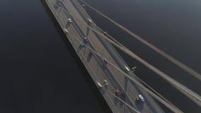 Vista aerea di traffico sul ponte stock footage