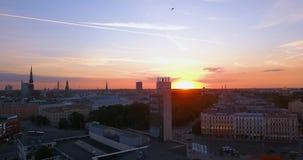 Vista aerea di tramonto della torre di orologio