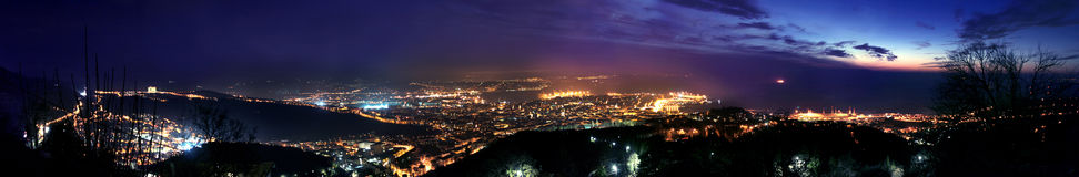 Vista aerea di Trieste alla notte Immagine Stock Libera da Diritti