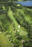Vista aerea di un campo da golf nell'estate Immagini Stock Libere da Diritti