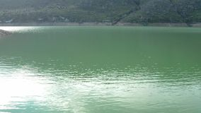 Vista aerea di un lago video d archivio