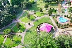 Vista aerea di un pascolo con l'albero in regione dei laghi, Florida immagini stock libere da diritti