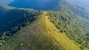 Vista aerea di un percorso che conduce a Monte Boletto, alpi, vicino al lago Como Como, Brunate, Lombardia, Italia Immagini Stock Libere da Diritti