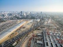 Vista aerea di un sistema di trasporto di trasporto pubblico di underconstruction Immagine Stock