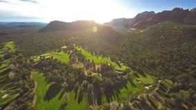 Vista aerea di un terreno da golf video d archivio