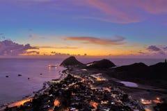 Vista aerea di un tramonto fantastico nella spiaggia caraibica immagine stock