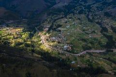 Vista aerea di un villaggio fotografia stock libera da diritti