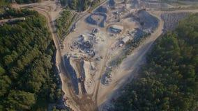 Vista aerea di una cava dell'arenaria video d archivio