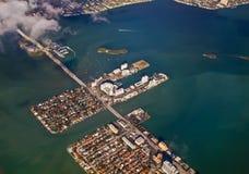 Vista aerea di una città dell'isola Immagine Stock