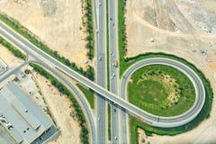 Vista aerea di uno scambio della strada nel Dubai, UAE fotografia stock libera da diritti