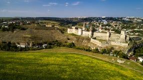 Vista aerea di vecchia fortezza Castello di pietra nella città di Kamenets-Podolsky Bello vecchio castello in Ucraina fotografie stock libere da diritti