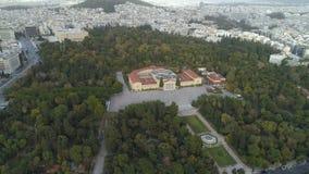 Vista aerea di Zappeion a Atene e parte moderna della città archivi video