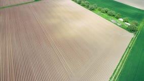 Vista aerea di zona agricola nella primavera video d archivio