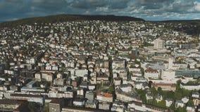 Vista aerea di zona residenziale a Zurigo, Svizzera video d archivio