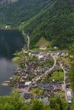 Vista aerea fantastica sul villaggio famoso di Hallstatt e sul lago alpino, alpi austriache, Salzkammergut, Austria, Europa Fotografie Stock